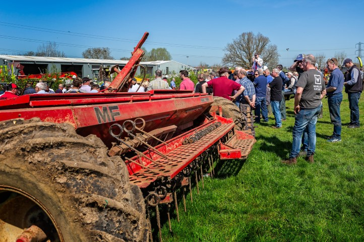 farm equipment auctions